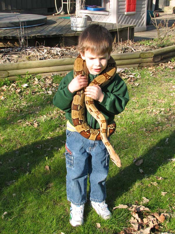 SCARING CHILDREN WITH SNAKES - YouTube